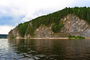 Скала Ветряный камень (высота 80м)