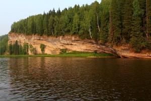 Скала Навислый камень - высота 40 метров