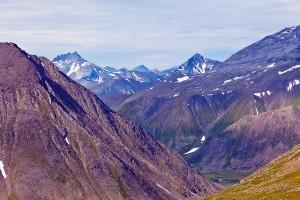 Вид с перевала Кар-Кар - видна г.Манарага
