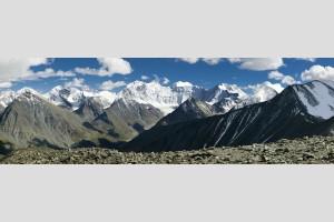 Вид на Катунский хребет с перевала Кара-Тюрек