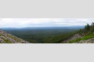 Вид на долину Щугора с г.Тельпос-Из
