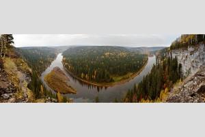 Вид со скалы Столбы, река Усьва